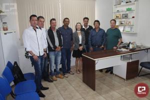Prefeito de Quarto Centenário assina ordem para construção da nova Escola Municipal