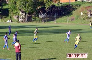 FUTEBOL AMADOR:Ubiratã vence Goioerê no Claudinão e equilibra grupo após término do primeiro turno