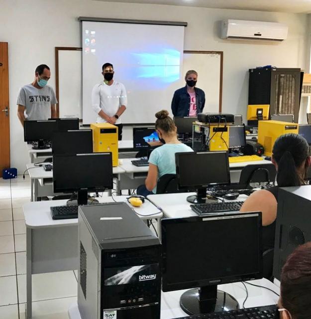 Curso de Informática na preparação do Jovem Aprendizfoi iniciado no Polo UAB de Goioerê