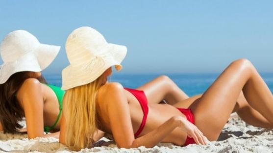 6 dicas para evitar que a pele descasque após o banho de sol