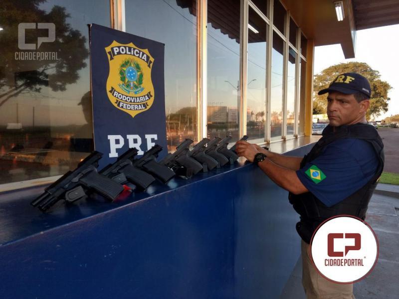 Polícia Rodoviária Federal apreende 16 pistolas dentro de aparelhos de TV no Paraná