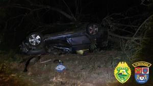 Jovem capota veículo ao tentar fugir da Polícia Militar com veículo carregado com 580 KG de drogas