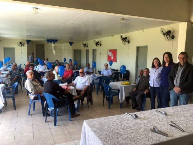 Prefeito Pedro Coelho se reuniu com os homens da terceira idade