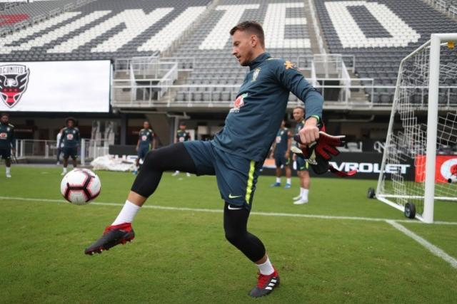 Acabou a espera: após 25 convocações, Neto enfim fará sua estreia pela Seleção
