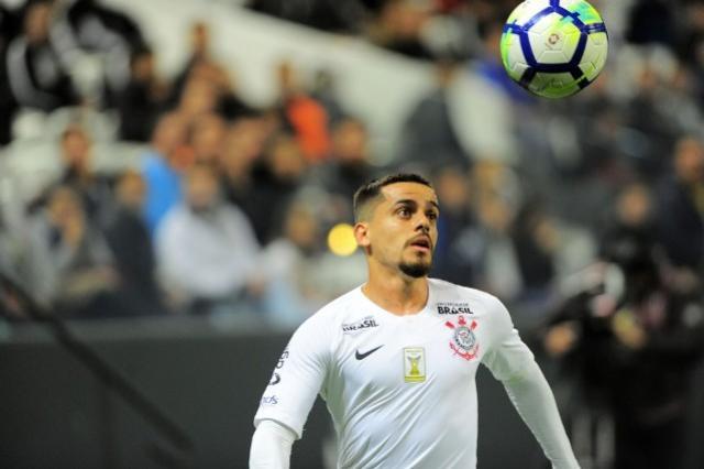 Corinthians diz que corte de Fagner foi decisão da CBF e cita recuperações anteriores antes do prazo esperado