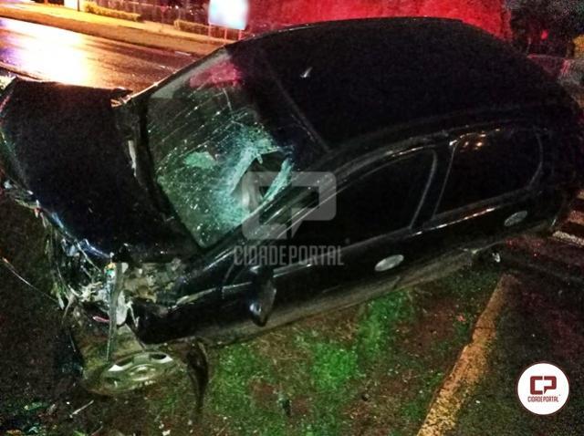 Grave acidente na PR-317 deixa uma pessoa ferida