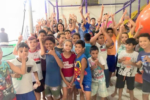 Crianças dos bairros Jardim Primavera e Universitário passam tarde no Happy Park promovido pela Assistência Social