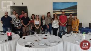 Primeira turma da Polícia Militar de estudo da língua inglesa encerra ano letivo com almoço de confraternização