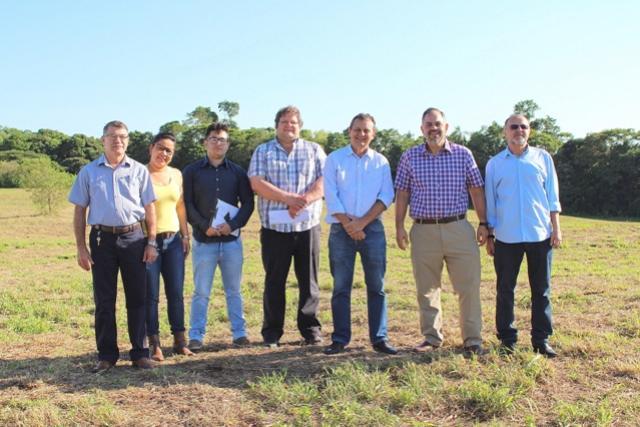 Secretário Artagão Junior visita Goioerê para conhecer terreno para futura instalação do Cense