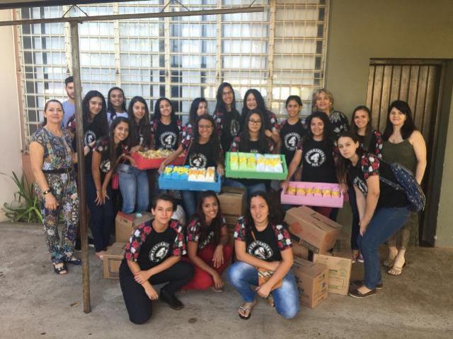 Alunos do Colégio Duque de Caxias visitam ao Lar dos Velhinhos de Moreira Sales