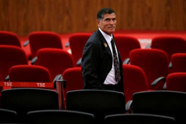 Futuro ministro da Secretaria de Governo diz que Adalberto Vasconcelos será mantido na chefia do PPI