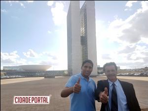 Professor Ewerton viaja para Brasília com o objetivo de protocolar pedidos para o Deputado Federal Hermes Parcianello