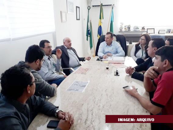 Prefeito Pedro Coelho busca ampliação do cemitério de Goioerê