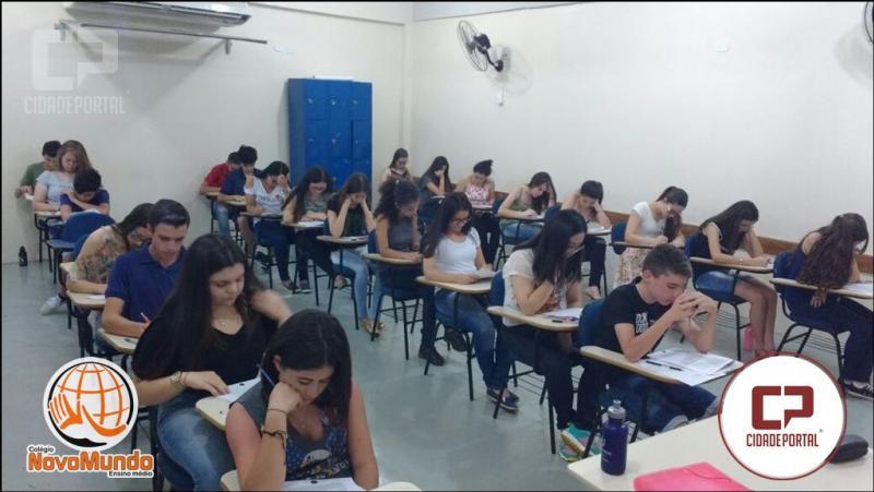 Candidatos a Bolsa de Estudo do Colégio Novo Mundo realizaram prova nesta quarta-feira, 15