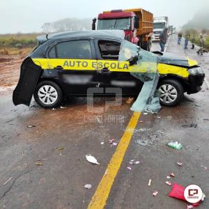 Grave acidente entre Goioerê e Cruzeiro do Oeste deixa duas pessoas feridas