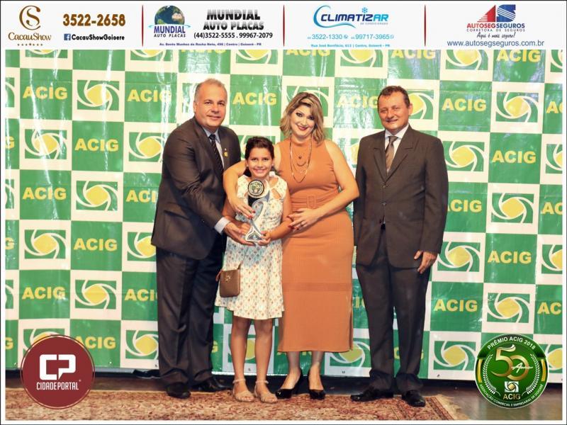 Salão de Beleza Bia Fashion recebeu prêmio Acig Melhores do Ano 2018