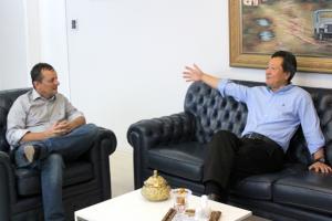 Pedro Coelho recebe deputado Federal Luiz Nishimori