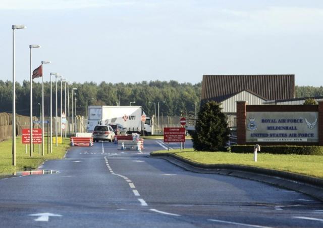 Polícia responde a incidente em base militar dos EUA na Inglaterra