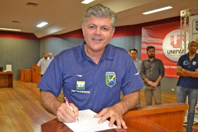 Liga Handebol do Paraná firma parceria com marca alemã Kempa