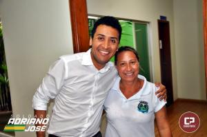 Deputado Estadual Soldado Adriano José anuncia emenda de 150 mil reais para santa casa - Deputado ainda tirou fotos com eleitores durante a visita na prefeitura