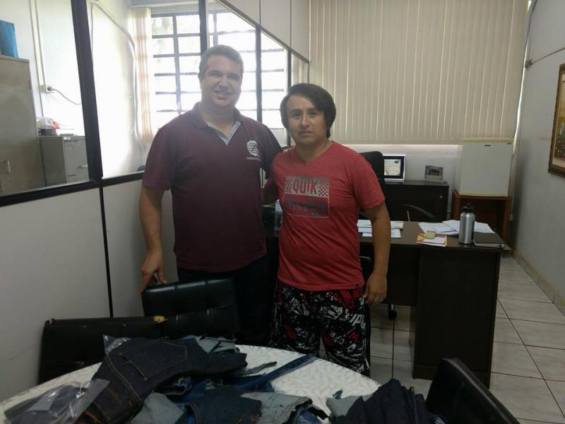 Engenharia Têxtil recebe estudante Peruano