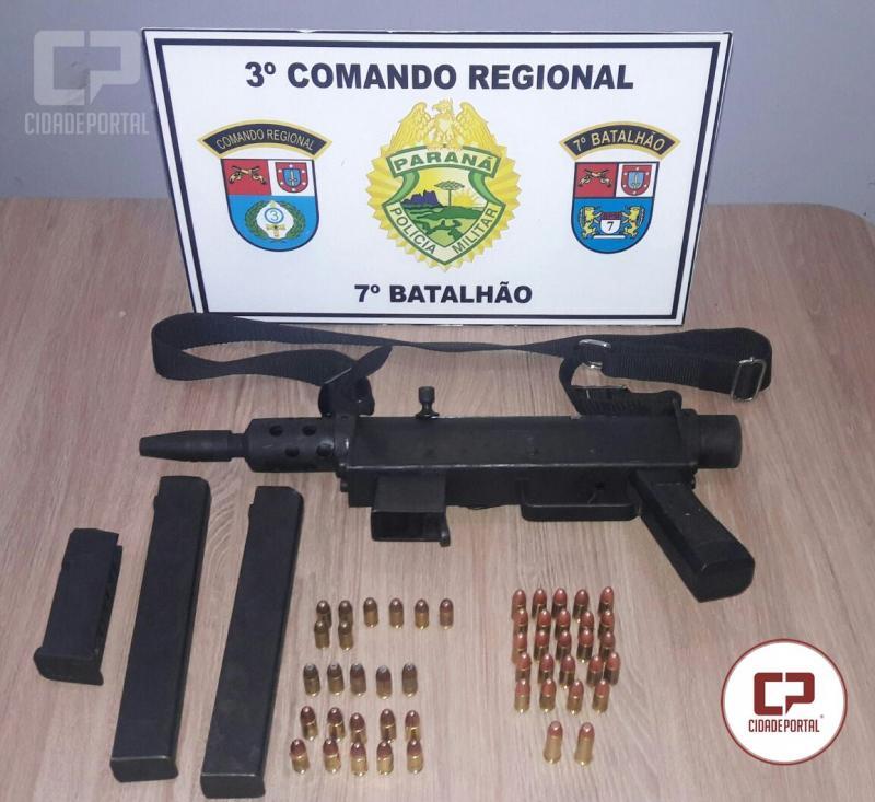 Um dia após confronto, equipe localiza arma que pode ter sido utilizada contra os policiais.