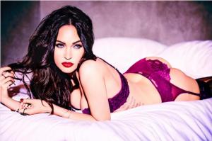 Megan Fox faz selfie caseira de lingerie para os verdadeiros fãs