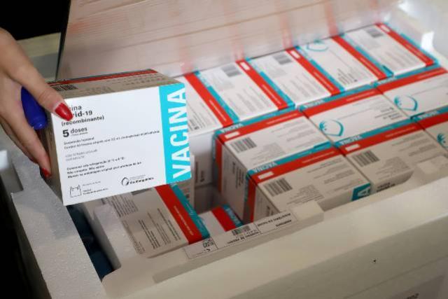 Paraná receberá mais 451,7 mil vacinas da AstraZeneca nesta semana