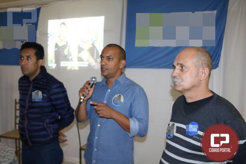 Dezenas de pessoas recepcionam os candidatos Sargento Fahur e Soldado Adriano em Goioerê