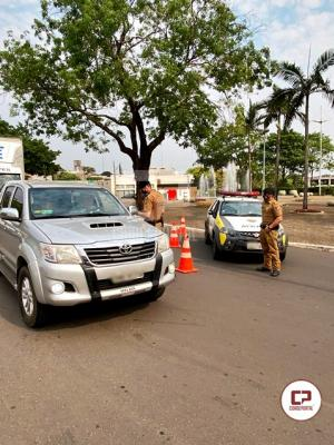 7º BPM realiza blitz educativa dando início a Semana Nacional de Trânsito em Cruzeiro do Oeste