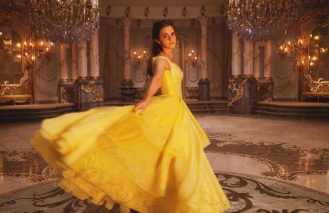 Saiba quanto Emma Watson ganhou para viver Bela