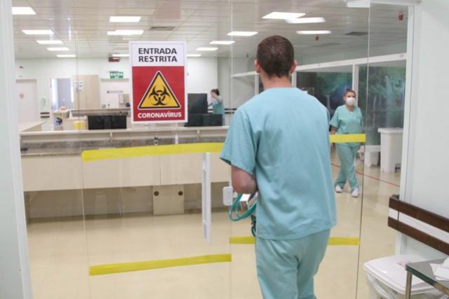 Coronavírus já alcança mais da metade das cidades do Paraná