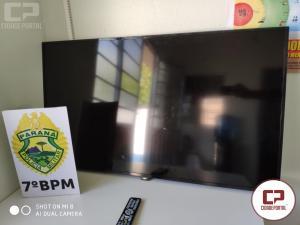 7º BPM recupera TV roubada, apreende máquina de caça níquel e prende indivíduo com mandado judicial