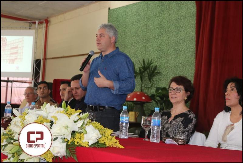 Secretários Douglas Fabrício e Ana Seres participam de comemoração dos 70 anos da Secretaria de Estado da Educação