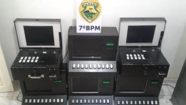 Policiais do 7º BPM apreendem dois veículos com contrabando e Seis Máquinas Caça Níquel