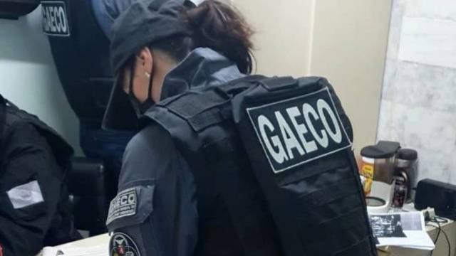 Gaeco cumpre mandados de busca e apreensão em residência de ex-prefeito de Goioerê