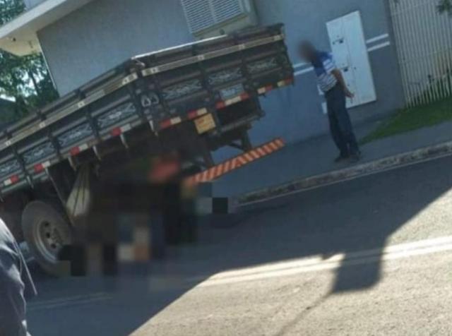 Mecânico morre atropelado por caminhão enquanto fazia manutenção no veículo em Doutor Camargo