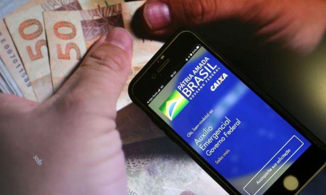 Caixa paga auxílio emergencial para 5,1 milhões de beneficiários nesta quarta-feira, 25