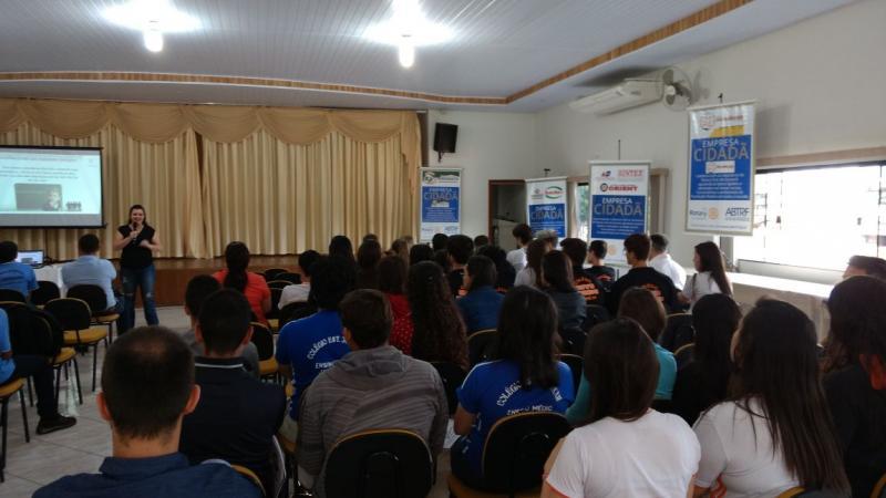ROTARY CLUB de Goioerê realizou projeto para ajudar os jovens a definirem o seu futuro profissional