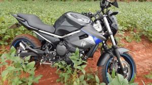 Após informação de morador Policia Militar recupera uma motocicleta modelo Yamaha Xj6