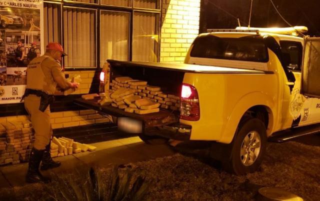 PRE prende motorista com quase 200 quilos de maconha em Sertaneja, no norte do Paraná
