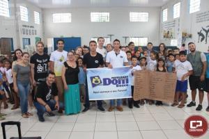 Projeto Cidadãos do Futuro de Quarto Centenário recebem brinquedos de alunos da Dom Bosco