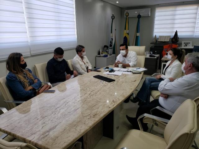 Betinho Lima se reuniu com Leila Amadei para discutir mudança de microrregião de saúde