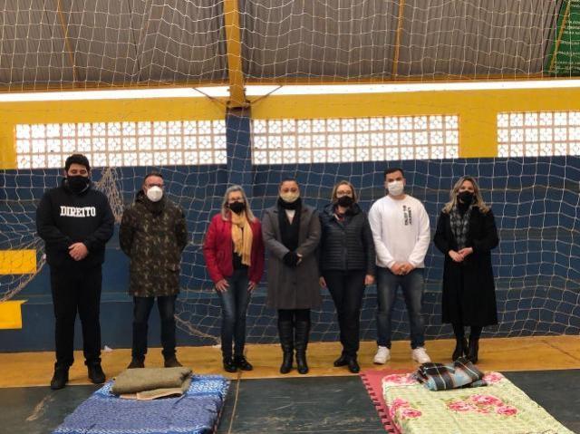 Prefeitura disponibiliza ginásio para abrigar moradores de rua no inverno em Goioerê