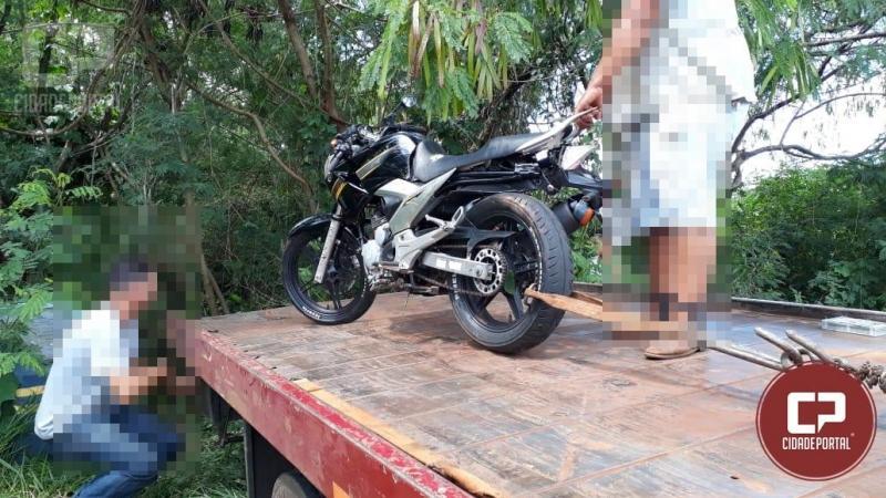 Motociclista desobedece ordem de para da PM e foge por não ser habilitado e acaba sofrendo acidente