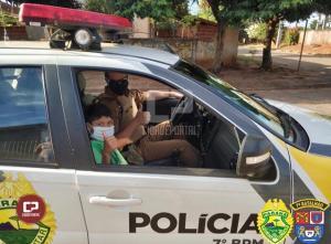 Policiais da RPA atendem pedido de mãe e surpreendem um menino, fã da Polícia Militar