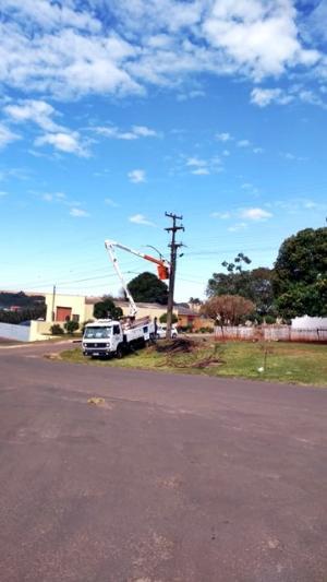 Prefeitura de Goioerê está realizando a instalação das luminárias de LED no município