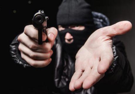 Chácara em Goioerê foi alvo de roubo, ladrões armados renderam morador e levaram sua  caminhonete S-10