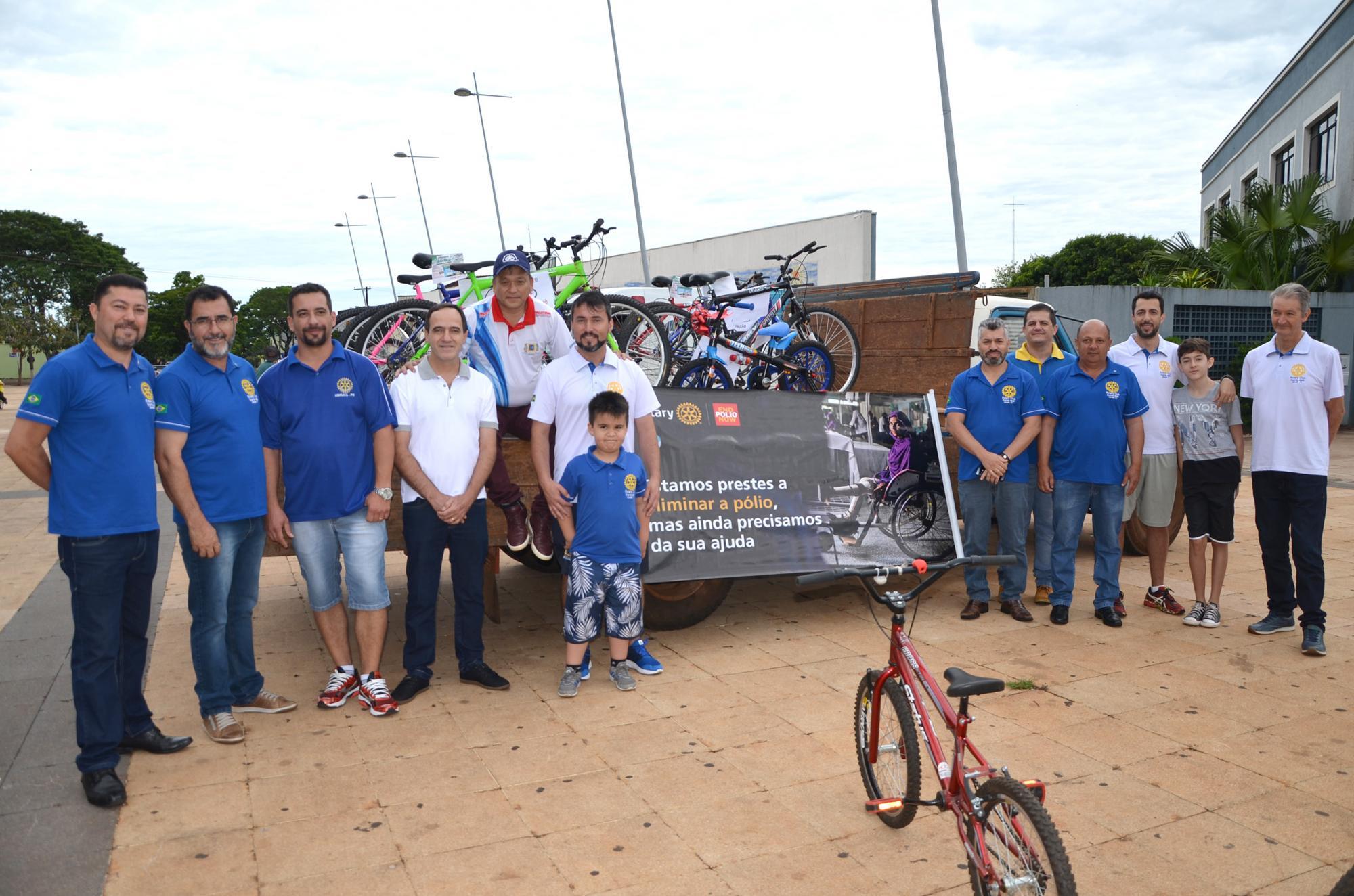 Ciclistas comemoram o aniversário de Ubiratã com passei oe muitos prêmios