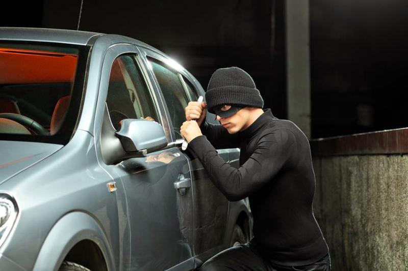 Um veículo Gm Astra foi furtado no inicio de noite deste sábado, 02 em Mariluz